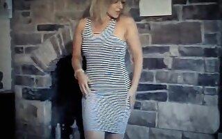 Start me up - vintage striptease dance