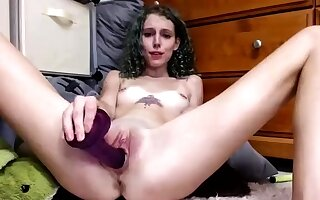 Fat Ass Teen But Pussy Toying