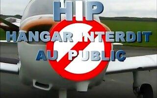 Hangar interdit au public